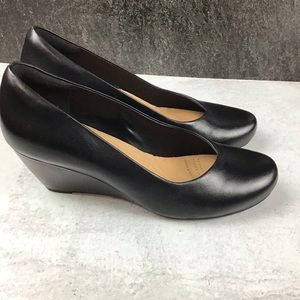 Clarks Artisan 9.5M Black Wedge Heel